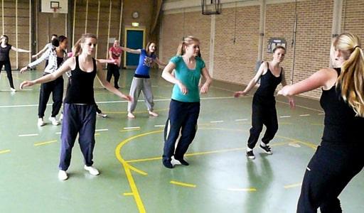 dansen-workshop-op-middelbare-school-basisschool